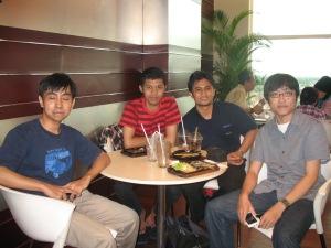 dari kiri: @yoyo_imut, @fajarsaptono, @naphi, @widy_agung